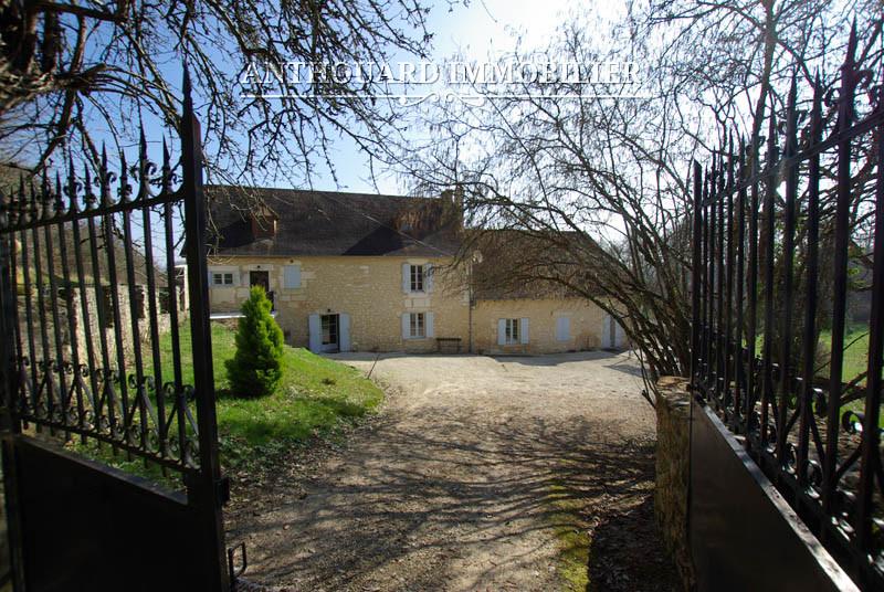 Anthouard Immobilier Ref 1129, Propriété à vendre en Dordogne, entre Bergerac et Périgueux, maison en pierre (22)