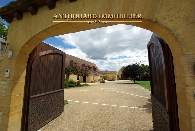 Anthouard Immobilier Ref 1171 Demeure en pierre à vendre en Dordogne, propriété et dépendances proche Buisson de Cadouin (40)