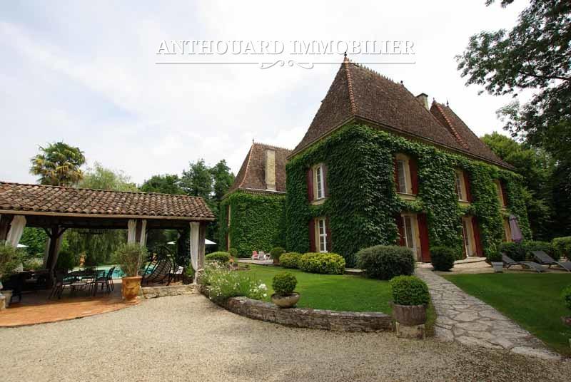 Agence Anthouard Immobilier Château à vendre en Dordogne, Périgord, propriété de 8ha (23)