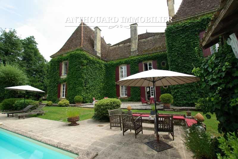 Agence Anthouard Immobilier Château à vendre en Dordogne, Périgord, propriété de 8ha (28)