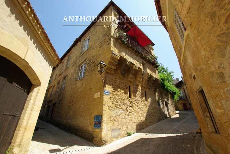 Agence Anthouard Immobilier Ref 1223, maison en pierre dans Sarlat (24)
