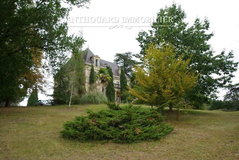 Agence Immobiliere Anthouard Dordogne chateau à vendre en Dordogne (59)