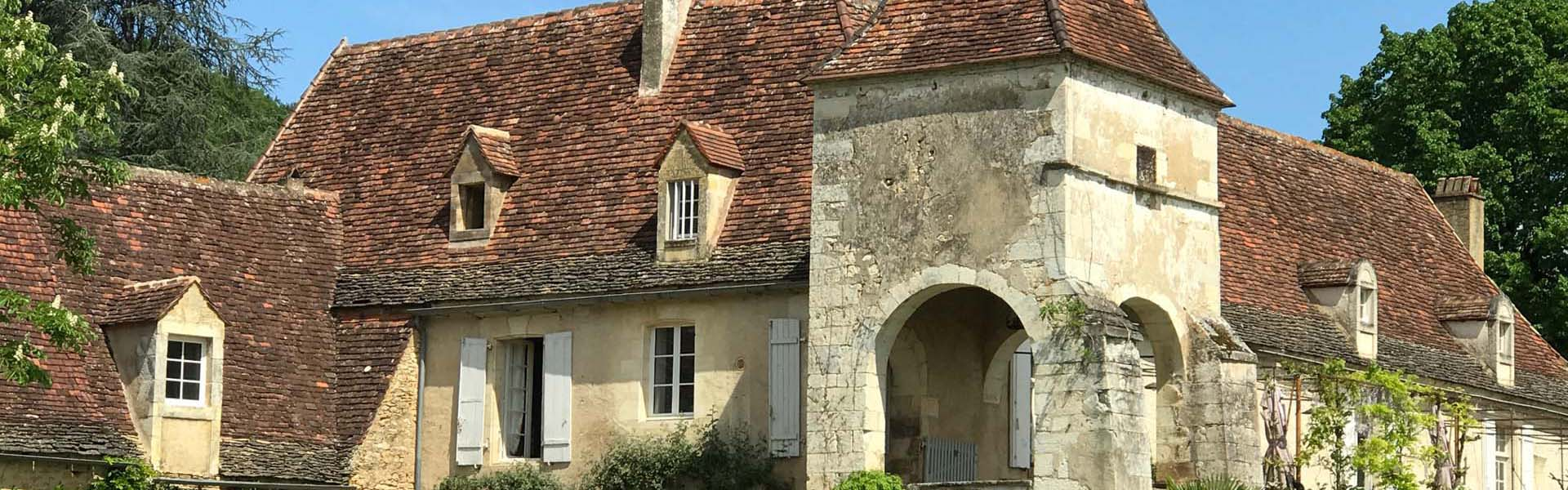 Achat maison chartreuse pierre Dordogne façade