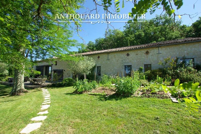 Agence Anthouard Immobilier Propriété à vendre en Dordogne, Bergerac, maison en pierre de charme (69)