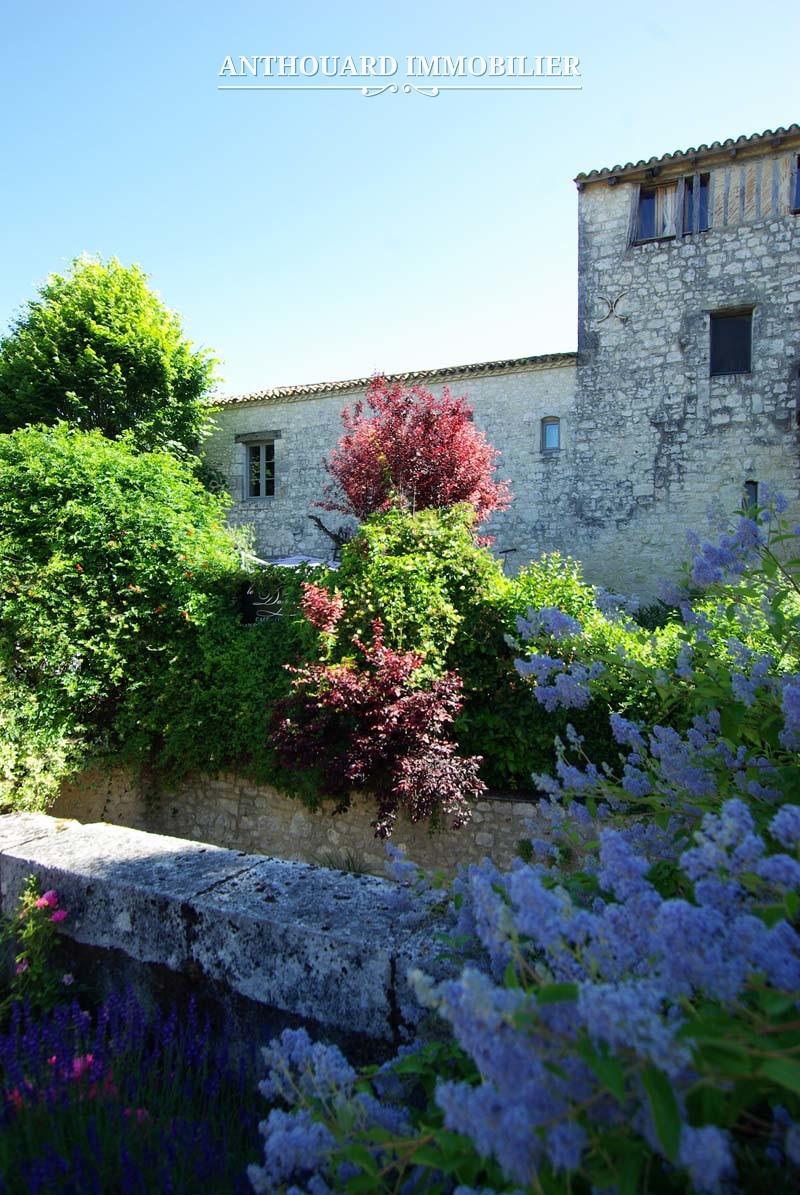 Agence Immobilière Anthouard, Maison en pierre à vendre, village Issigeac, Dordogne, proche Bergerac (22)