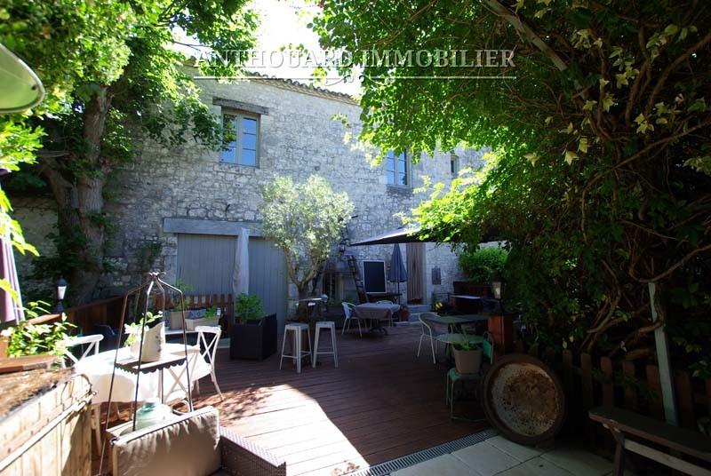 Agence Immobilière Anthouard, Maison en pierre à vendre, village Issigeac, Dordogne, proche Bergerac (23)