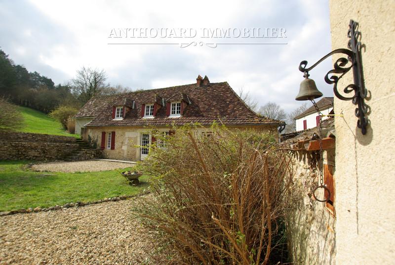Cour intérieure d'une maison en pierre et son gîte à vendre - Dordogne